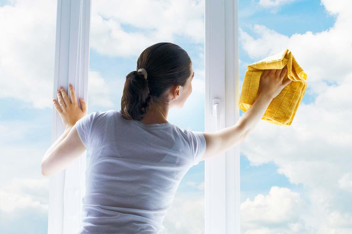 Quel Produit Pour Nettoyer Le Pvc comment nettoyer sa fenêtre pvc ? | faq fenêtres