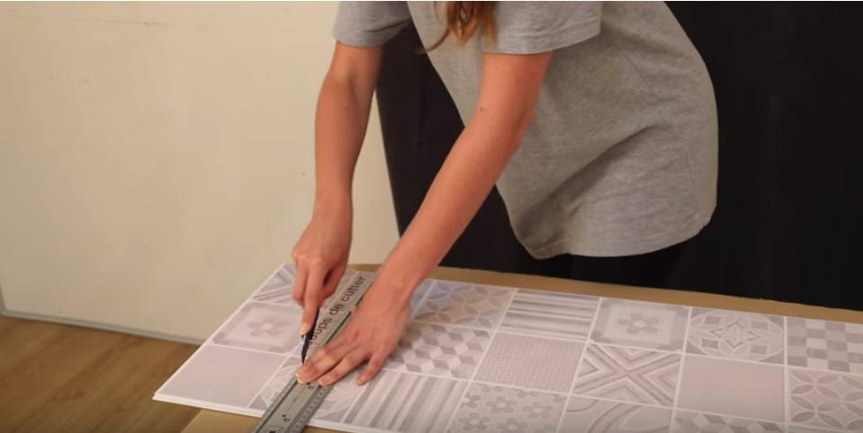 Schneiden von PVC-Wandverkleidungslamellen